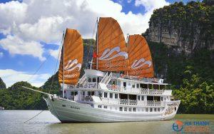 Paradise Peak Cruise 2 days/1 night