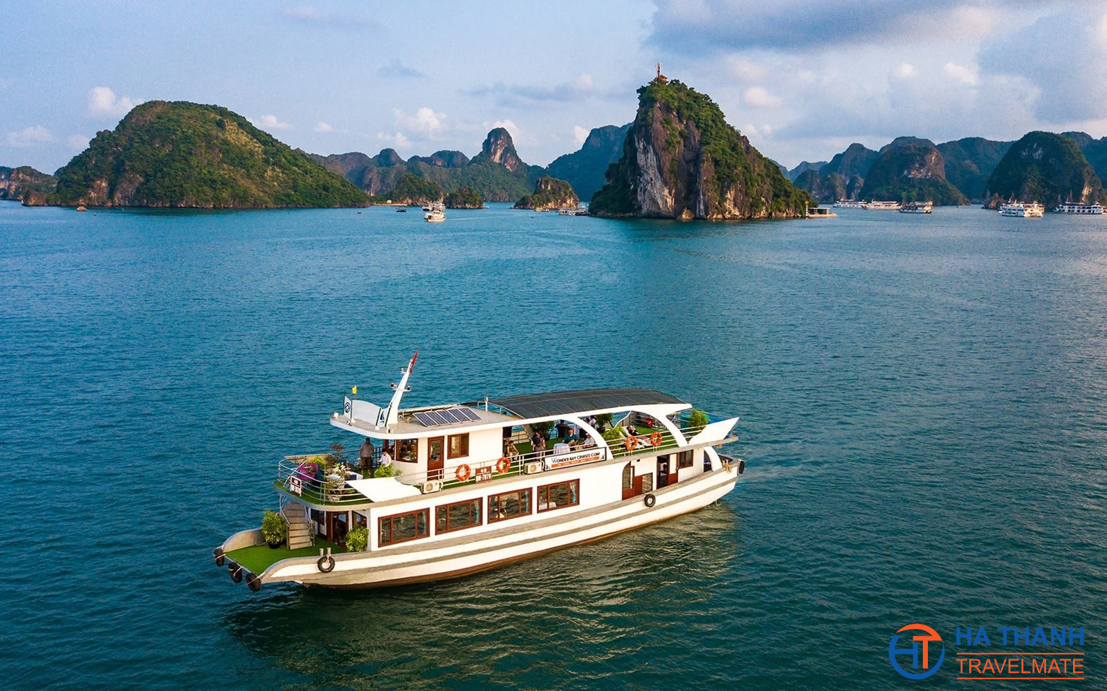 Wonder Bay Halong Day Cruise